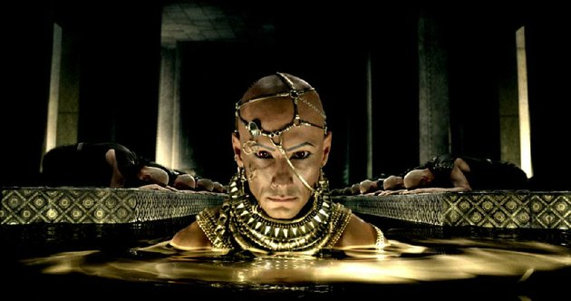 the-god-king-xerxes-rodrigo-santoro-is-back-to-cause-trouble-for-legions-of-buff-greeks-in-300-rise-of-an-empire
