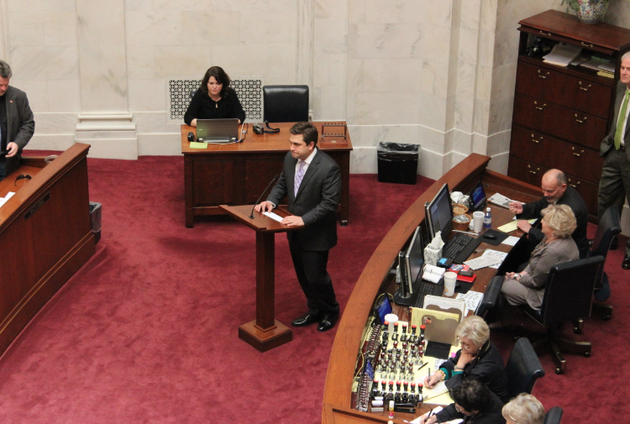 sen-jonathan-dismang-r-searcy-offers-to-take-questions-before-a-veto-override-vote-wednesday-in-the-state-senate