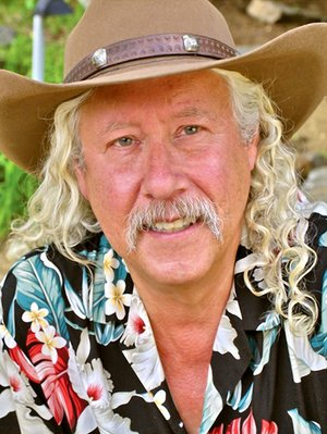 Musician and writer Arlo Guthrie is coming to the Ozark Folk Center State Park in Mountain View for a performance as part of their Celebrity Concert series.
