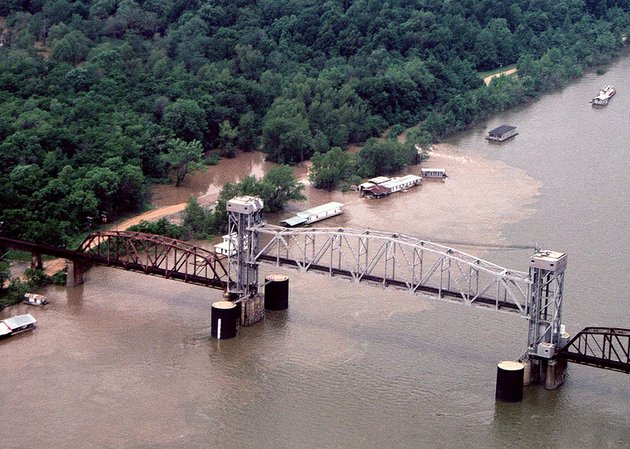 this-aerial-view-is-of-the-white-river-the-benzal-bridge-and-the-shantyboat-town-during-high-water-in-1998-the-same-view-today-would-show-nothing-but-the-river-and-a-skeleton-of-the-old-railroad-bridge