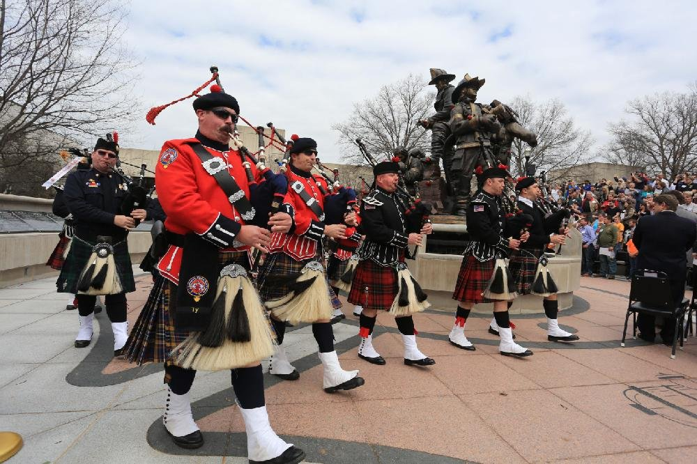 Firefighters Marching At Capitol >> Memorial Extols Fallen Firefighters