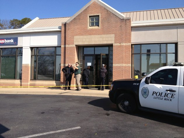 little-rock-police-investigate-tuesday-march-25-2014-after-a-robbery-at-the-us-bank-branch-at-6320-w-markham-st