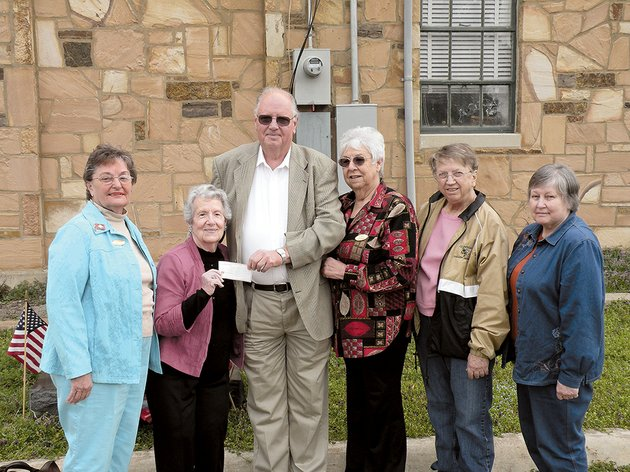 the-maria-van-buren-chapter-of-the-national-society-daughters-of-the-american-revolution-in-clinton-has-donated-100-to-purchase-four-knockout-rose-bushes-to-be-planted-at-the-van-buren-county-courthouse-in-clinton-presenting-the-check-to-van-buren-county-judge-roger-hooper-center-are-from-left-carolyn-marshall-chapter-regent-virginia-kelley-chapter-treasurer-alice-george-chapter-vice-regent-janie-fullilove-chapter-chaplain-and-diane-hall-chapter-historian-members-of-the-van-buren-county-master-gardeners-will-install-the-rose-bushes-along-with-other-new-plants-on-the-courthouse-grounds