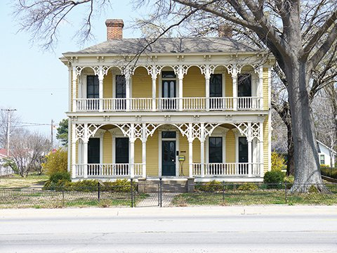 the-historic-black-house-brings-a-touch-of-new-orleans-style-to-downtown-searcy-the-property-has-been-home-to-the-searcy-arts-council-since-1999-and-is-on-the-national-register-of-historic-places