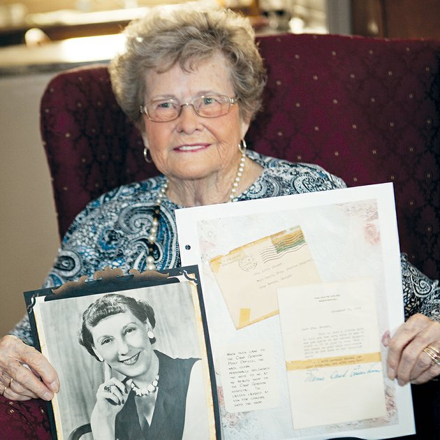 robie-popham-permenter-of-vilonia-holds-an-autographed-photograph-of-mamie-eisenhower-and-notes-permenter-keeps-in-an-album-reflecting-the-50-or-so-years-she-served-as-a-beauty-operator