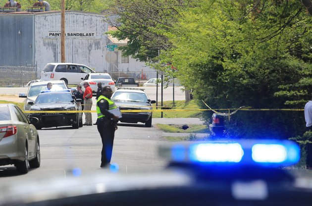 little-rock-police-officers-investigate-the-scene-of-a-shooting-in-the-3000-block-of-adams-st-in-little-rock-sunday-one-person-was-shot-and-taken-to-a-hospital