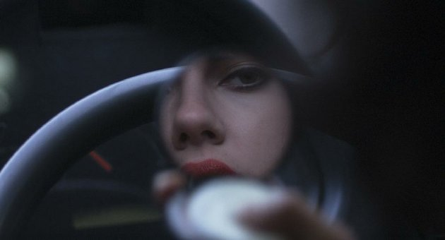 in-jonathan-glazers-under-the-skin-scarlett-johansson-plays-an-unnamed-girl-who-fell-to-earth