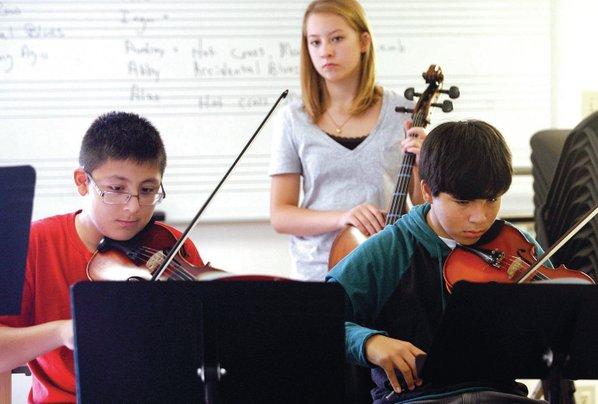 FILE PHOTO JASON IVESTER Eighth-graders ...