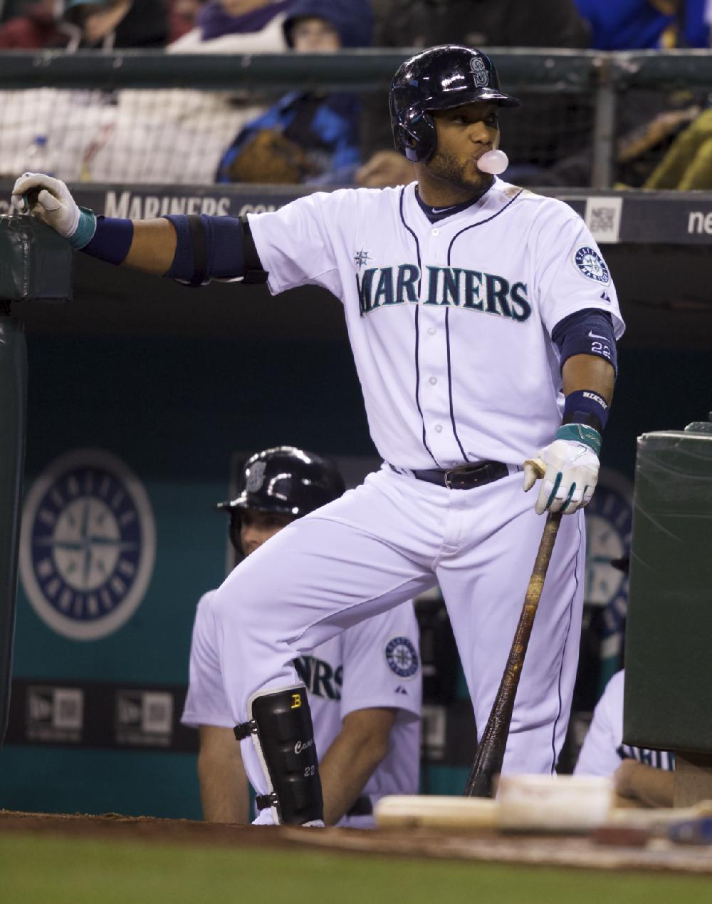 Seattle Mariners' Robinson Cano waits for an at-bat during ...