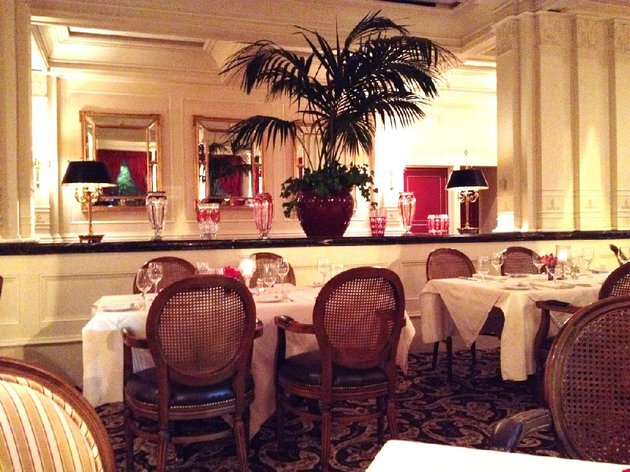 the-center-divider-will-disappear-and-artwork-will-replace-the-elaborate-mirrors-as-ashleys-at-the-capital-undergoes-a-major-renovation-the-restaurant-closes-after-sundays-brunch-until-at-least-midsummer