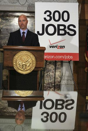 Arkansas Democrat-Gazette/STATON BREIDENTHAL --5/5/14-- Jonathon Blitz, Director of Business Sales for Verizon in Arkansas, announces Monday at the state Capitol that the company is looking for candidates to fill 300 full-time jobs in Arkansas.