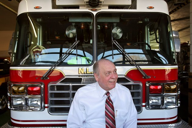 this-february-2009-file-photo-shows-robert-mauldin-soon-after-he-took-the-position-as-chief-of-the-north-little-rock-fire-department-mauldin-announced-on-thursday-his-plans-to-retire-july-1-2014