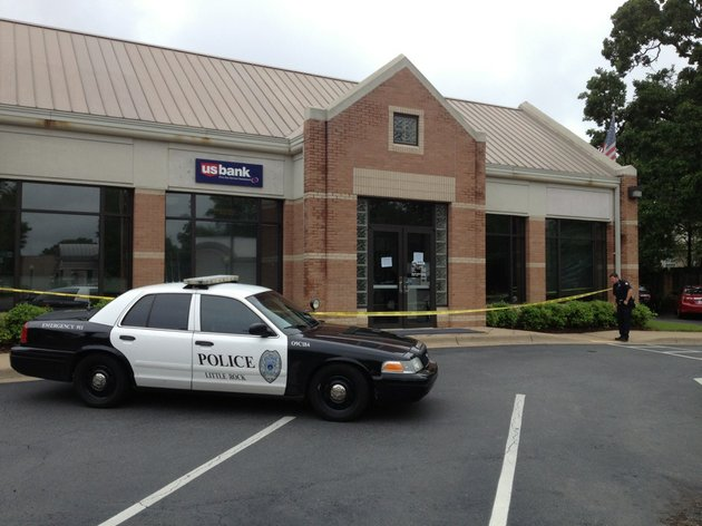 police-respond-tuesday-may-13-2014-to-a-robbery-at-the-us-bank-at-5200-kavanaugh-blvd-in-little-rocks-heights-neighborhood