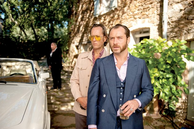 dickie-richard-e-grant-does-his-best-to-rein-in-the-force-of-nature-that-is-an-affronted-eponymous-safe-cracker-jude-law-in-richard-shepards-take-on-british-noir-dom-hemingway