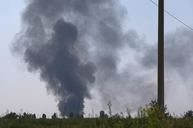 black-smoke-rises-from-a-shot-down-ukrainian-army-helicopter-outside-slovyansk-ukraine-thursday-may-29-2014-rebels-in-eastern-ukraine-shot-down-a-government-military-helicopter-thursday-amid-heavy-fighting-around-the-eastern-city-of-slovyansk-killing-several-soldiers-including-a-general-ukraines-acting-president-oleksandr-turchynov-said