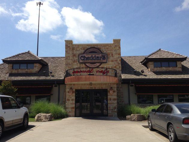 cheddars-casual-cafe-located-at-400-s-university-ave-topped-little-rocks-restaurant-sales-in-the-first-quarter-of-2014-according-to-preliminary-figures-released-by-the-little-rock-convention-and-visitors-bureau