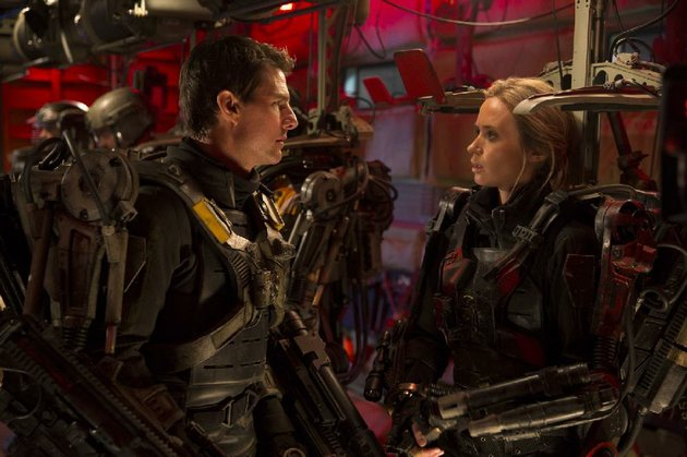 tom-cruise-and-emily-blunt-star-in-the-new-sci-fi-fi-lm-edge-of-tomorrow-it-came-in-third-at-last-weekends-box-office-and-made-288-million