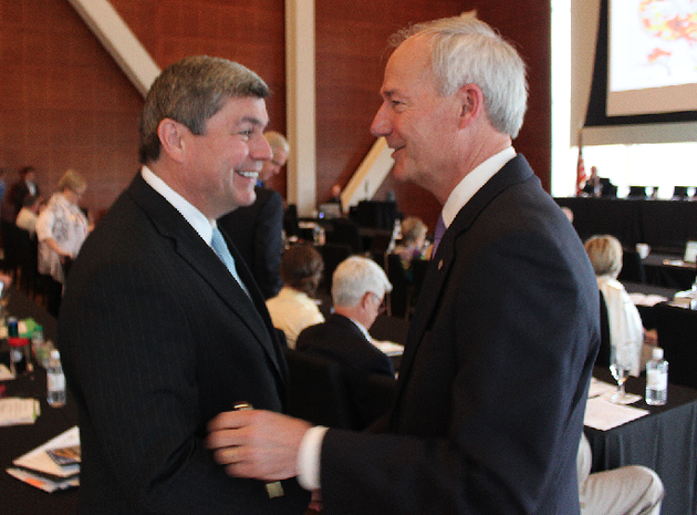 gubernatorial-candidates-mike-ross-left-and-asa-hutchinson-shake-hands-friday-during-the-delta-grassroots-caucus-conference-in-little-rock