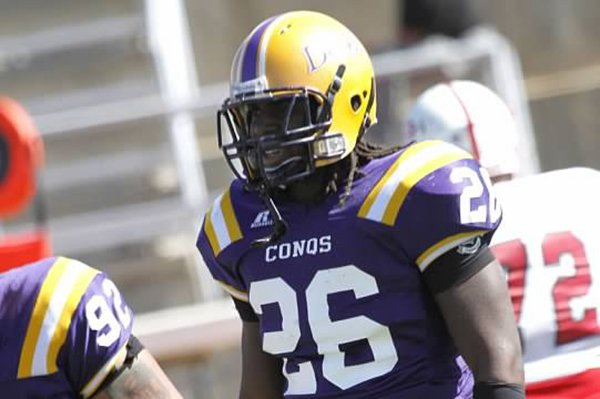 Linebacker Josh Williams spent time at Dodge City Community College prior to committing to Arkansas.