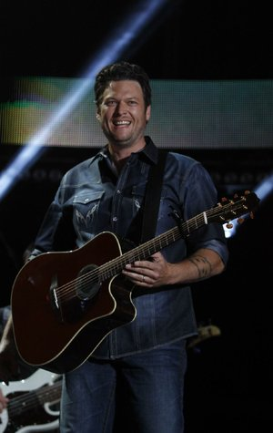 Blake Shelton performs at the 2012 CMA Music Festival on Friday, June 8, 2012 in Nashville, Tenn.