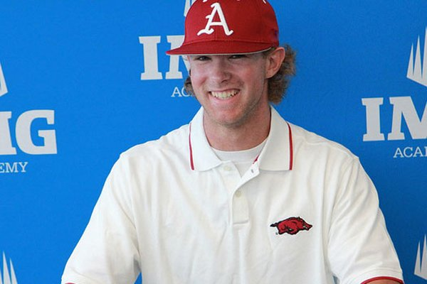 Arkansas signee Luke Bonfield will play for the Razorbacks instead of turning pro.