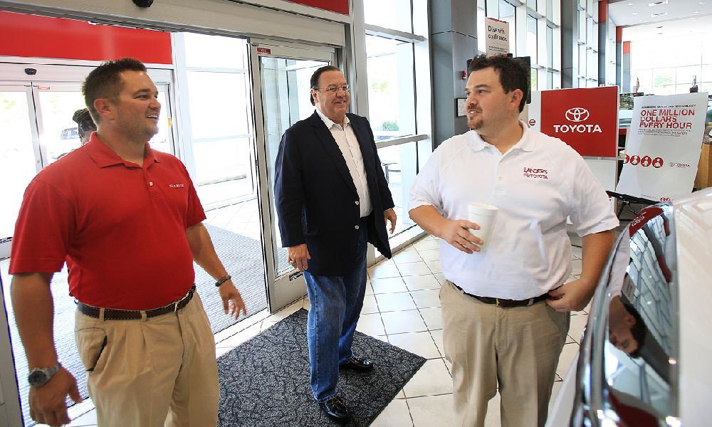 Steve Landers Toyota >> Arkansas Democrat-Gazette/ STATON BREIDENTHAL --8/28/12-- Steve Landers Sr. (middle) with ...
