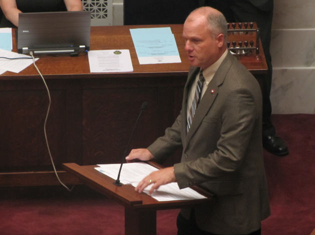 sen-jim-hendren-r-gravette-speaks-on-the-senate-floor-tuesday-before-votes-on-two-bills-on-teacher-health-insurance