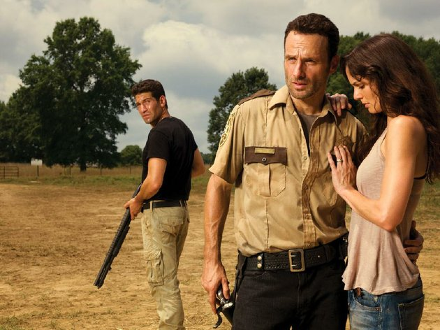 the-walking-dead-dead-white-and-blue-marathon-will-feature-from-left-jon-bernthal-as-shane-walsh-andrew-lincoln-as-rick-grimes-and-sarah-wayne-callies-as-lori-grimes