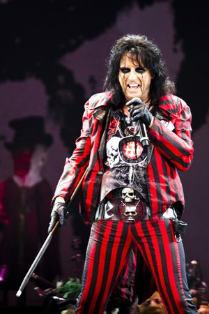 Rock and Roll Hall of Famer Alice Cooper loves White Castle sliders.
