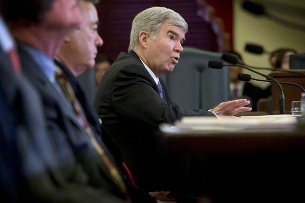 National Collegiate Athletic Association (NCAA) President Mark Emmert testifies on Capitol Hill in Washington, Wednesday, July 9, 2014, before the Senate Commerce Committee hearing on the NCAA's treatment of athletes. (AP Photo/Pablo Martinez Monsivais)