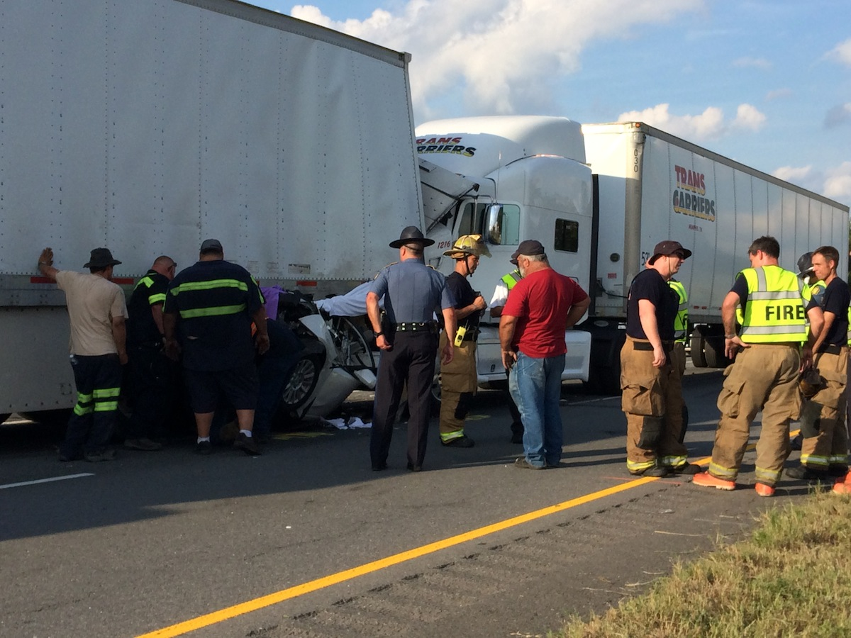 Coroner: At least 1 killed in I-40 wreck