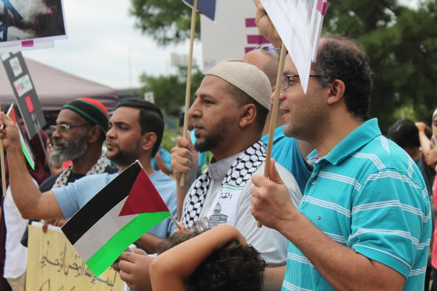 about-100-people-turned-out-saturday-in-little-rock-to-protest-violence-in-the-gaza-strip