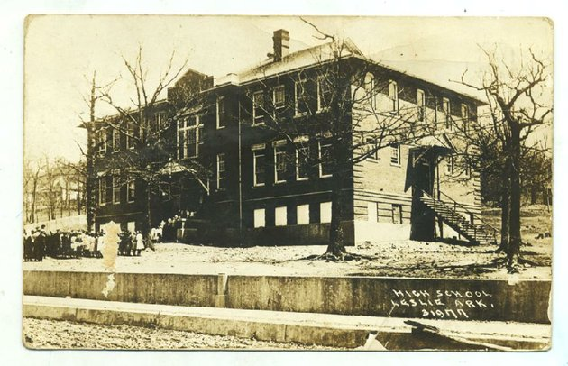 leslie-1917-students-and-staff-gather-in-front-of-the-searcy-county-rural-communitys-high-school-residents-took-pride-in-the-public-school-buildings-the-structures-were-often-showcased-on-postcards-which-were-sold-at-the-local-drug-store-for-a-penny-apiece-today-the-building-is-long-gone-send-questions-or-comments-to-arkansas-postcard-past-po-box-2221-little-rock-ark-72203
