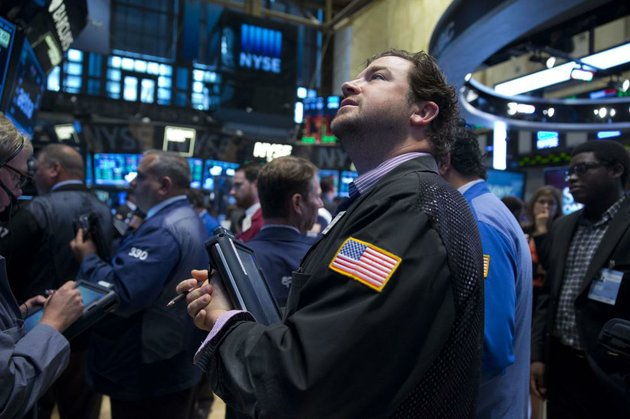 traders-work-wednesday-on-the-floor-of-the-new-york-stock-exchange