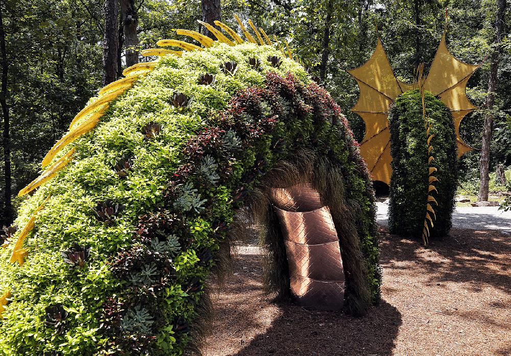 Topiary Creatures At Garvan Woodland Gardens Grow With Imagination Nwadg