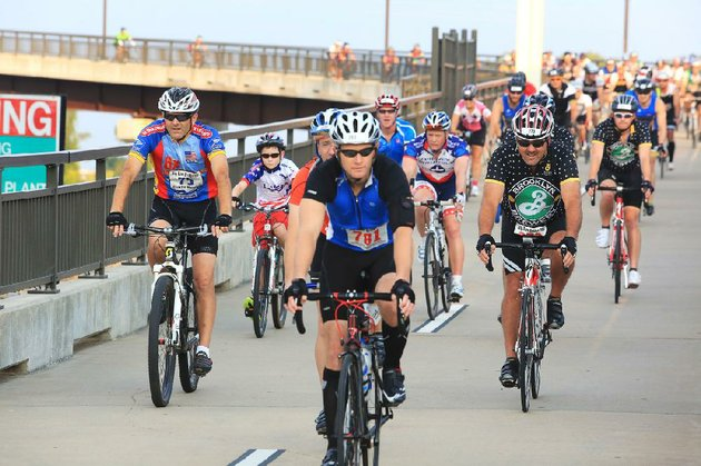 cyclists-are-gearing-up-for-some-pedaling-with-the-big-dam-bridge-100-on-sept-27