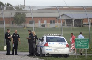 32 teens escape from Tennessee detention center