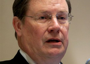 LR mayor asks Hutchinson to veto HB1228