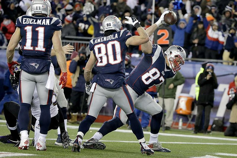 Patriots Overcome 2 14 Point Deficits