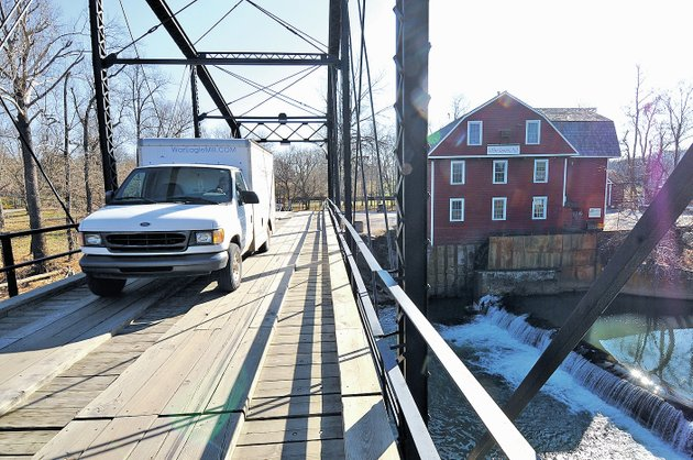 nwa-democrat-gazette-jt-wampler-a-truck-crosses-the-war-eagle-bridge-on-wednesday-benton-county-judge-bob-clinard-and-the-county-road-department-staff-met-with-state-highway-department-officials-engineers-and-contractors-wednesday-to-discuss-repair-work-needed-on-bridge