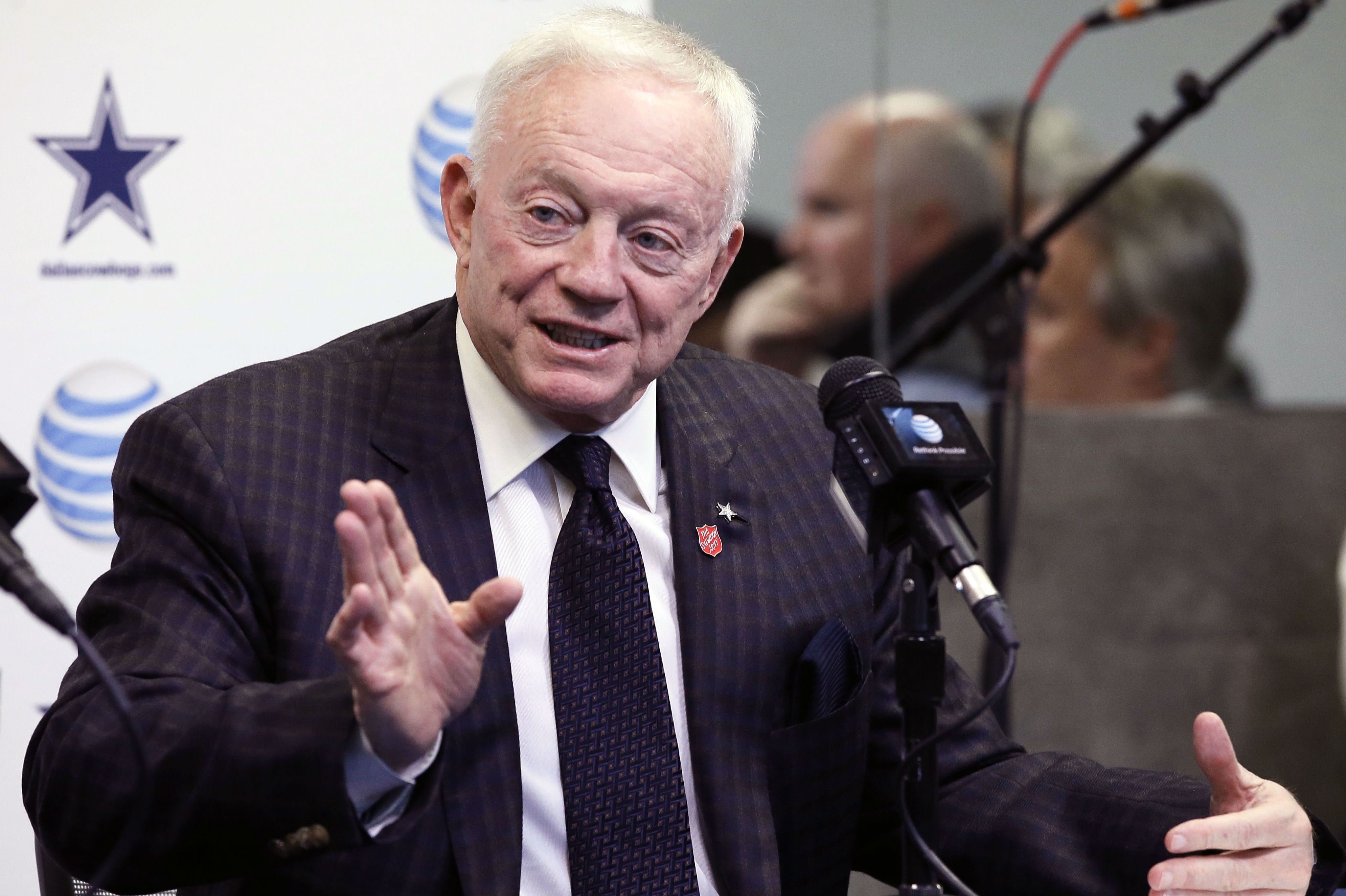 Jerry Jones Wife ruletka bet at home