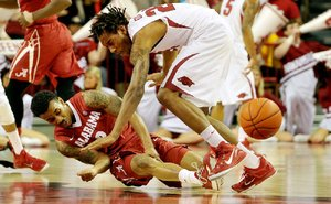 Hogs vs Tide hoops_0...