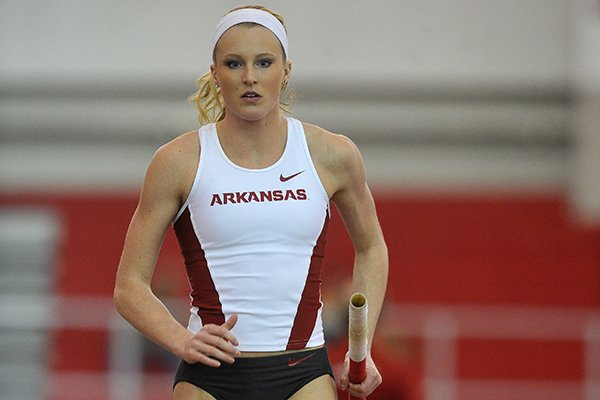 WholeHogSports - Top women's vaulters square off