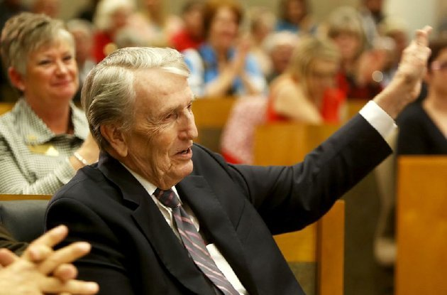 former-us-sen-dale-bumpers-is-shown-in-this-file-photo