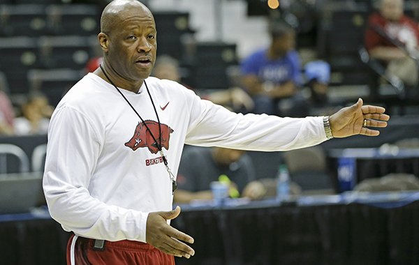 Arkansas head coach Mike Anderson directs players during practice for an NCAA college basketball second round game, Wednesday, March 18, 2015, in Jacksonville, Fla. Arkansas plays Wofford on Thursday. (AP Photo/John Raoux)
