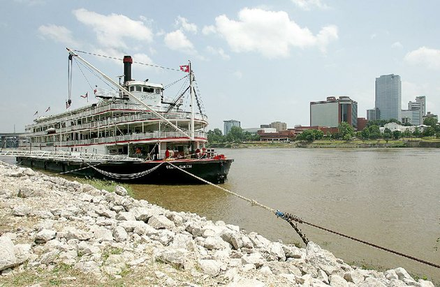 the-delta-queen-is-tied-up-on-the-north-little-rock-side-of-the-arkansas-river-during-a-june-7-2007-visit-its-new-owners-hope-to-begin-offering-overnight-cruises-on-the-mississippi-river-but-theyll-need-government-permission