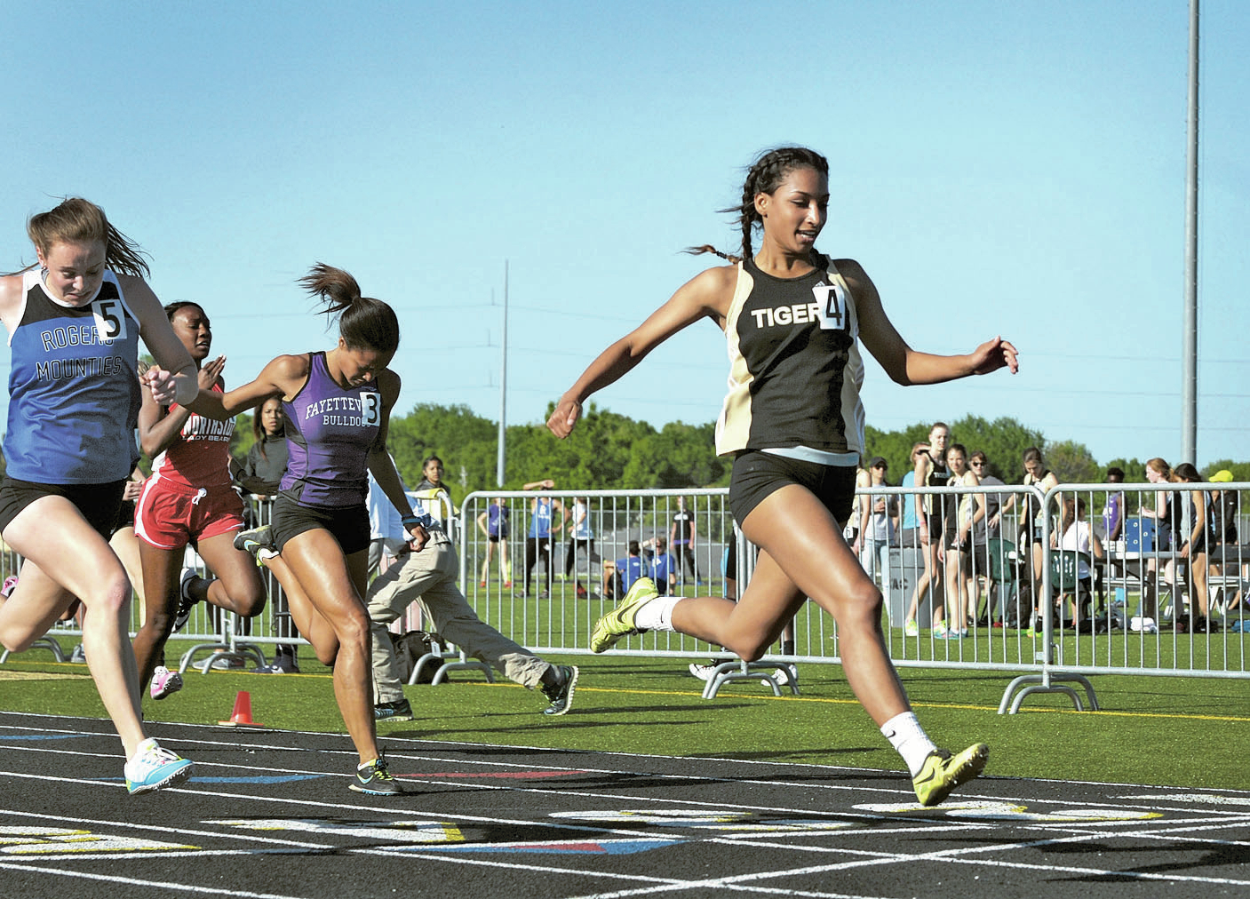 Bentonville S Neal Skies To Lone Meet Record
