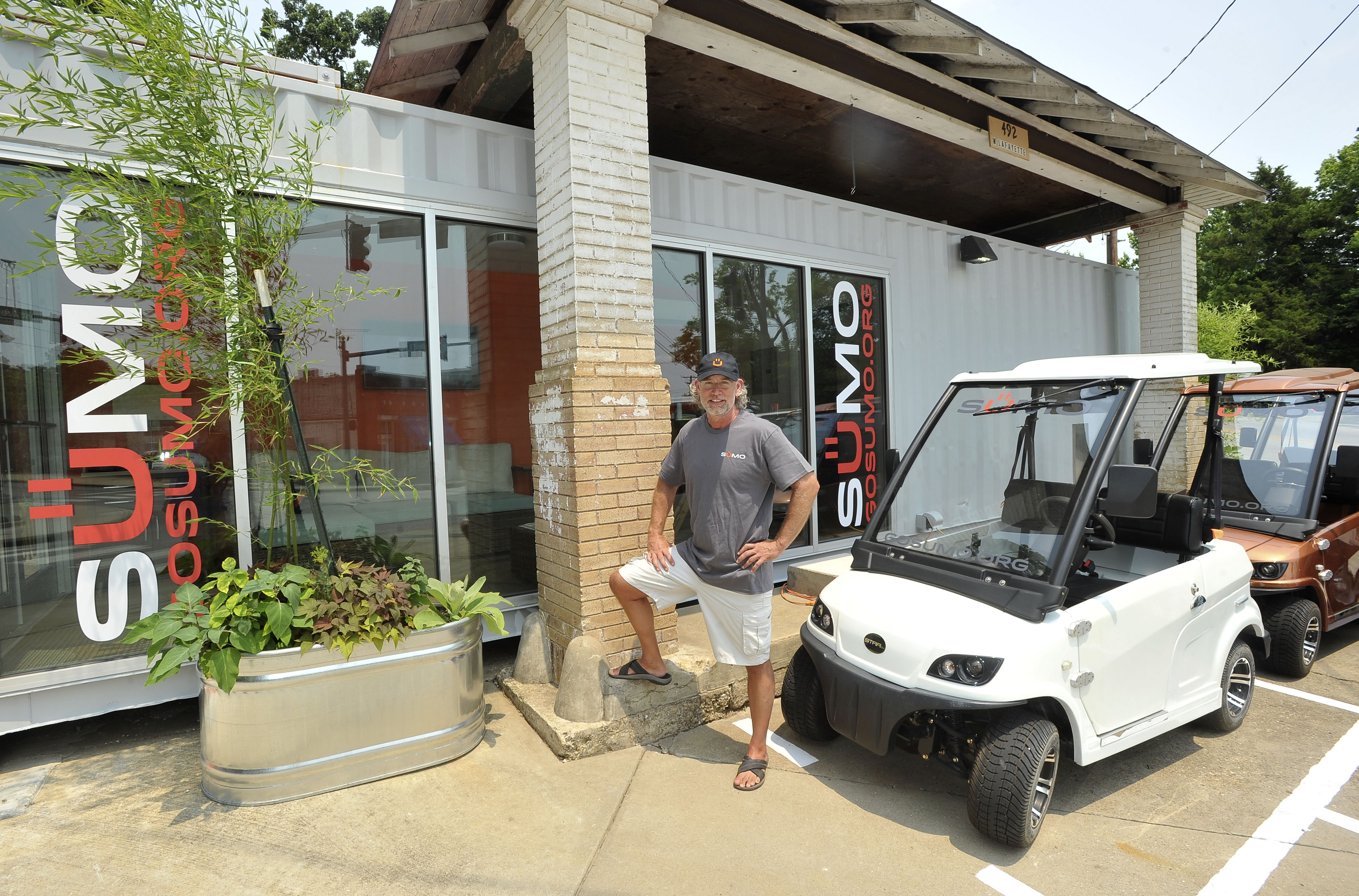 Fayetteville car sharing business kicks off using low-speed electric vehicles