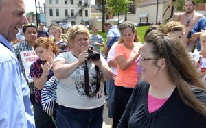 Judge orders defiant Kentucky clerk to jail