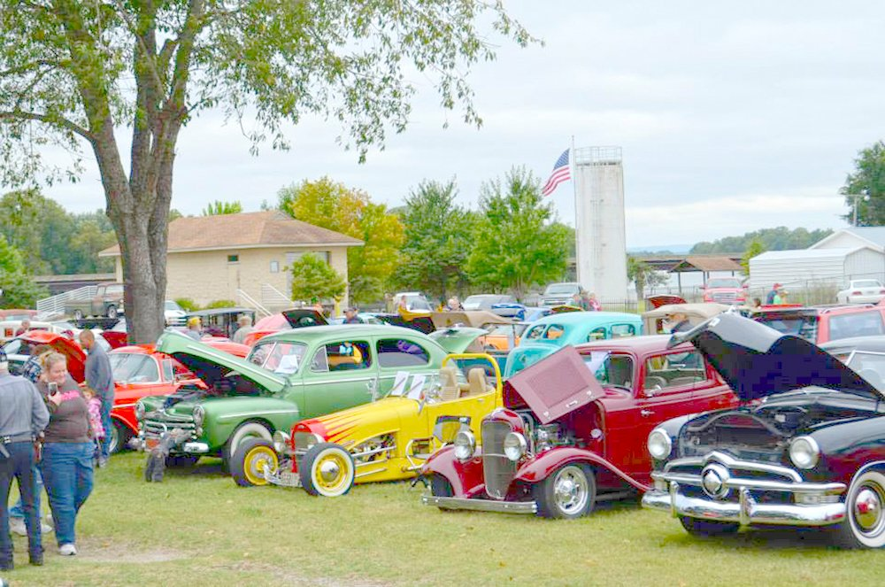 Three Rivers Water Carnival Car Show